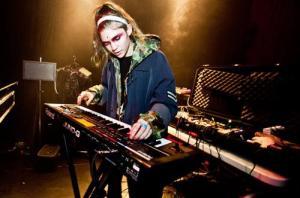 Grimes+live