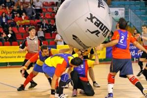 Imagen de un partido de Kin Ball