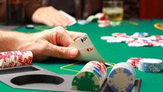 Lo jugadores de Póker son los que más dinero apuestan